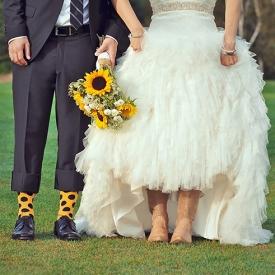 69fda00aeed sunflowers & cowboy boots | weddinggawker