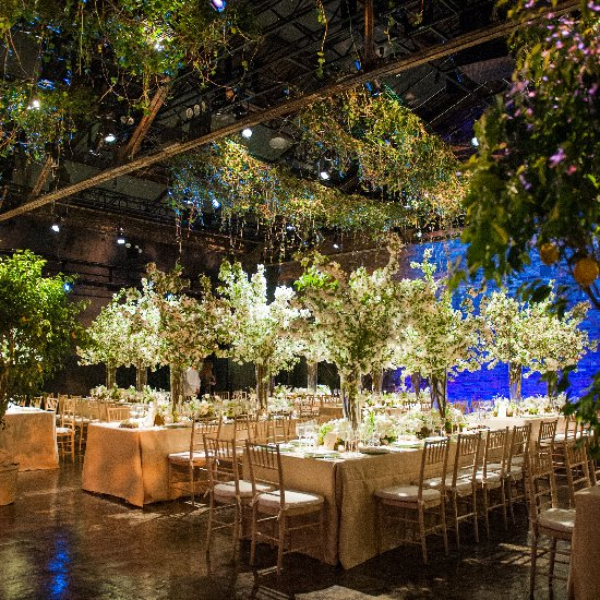 nyc spring warehouse wedding