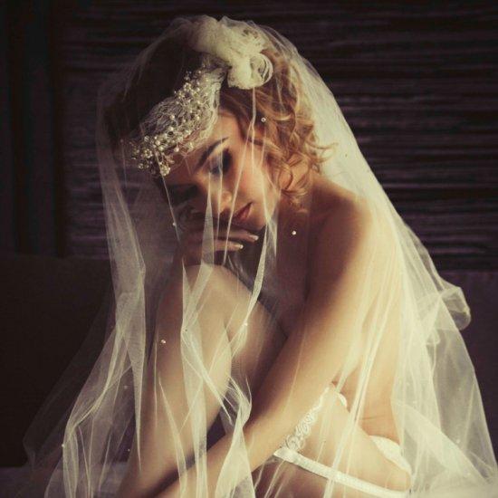 6ff04bb14e A Sophisticated Bridal Boudoir