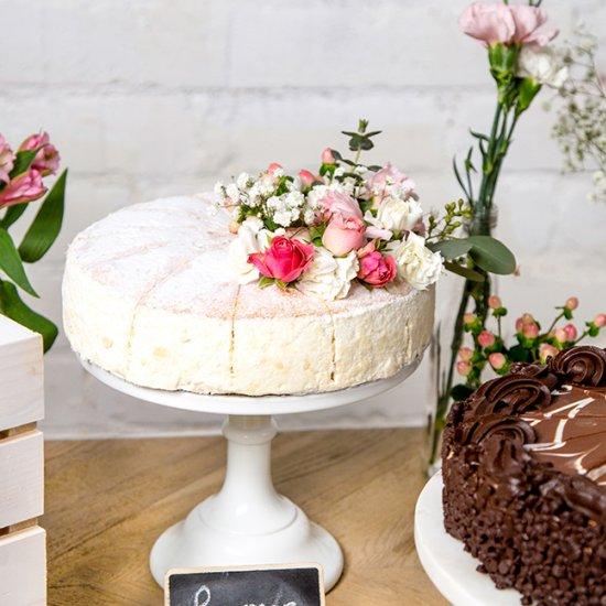 The perfect wedding dessert bar weddinggawker the perfect wedding dessert bar junglespirit Images