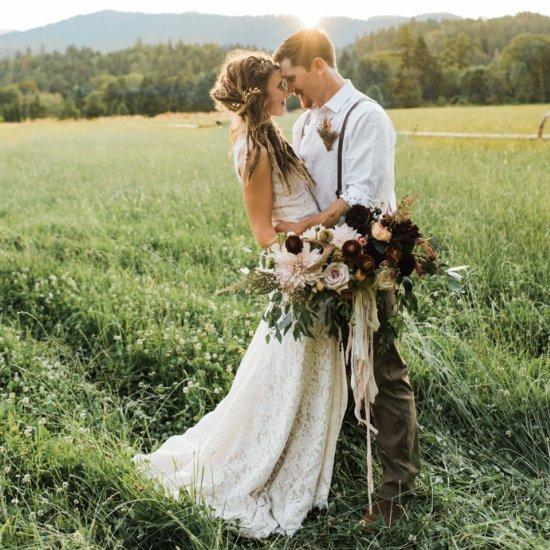 Homespun bohemian wedding weddinggawker homespun bohemian wedding junglespirit Choice Image